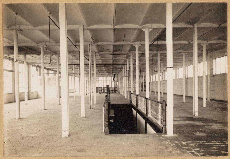 Binnenzicht van textielfabriek Usines Cotonnières Gand-Zele-Tubize in Gent