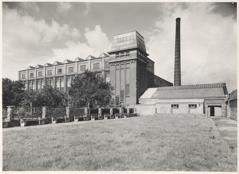 Buitenzicht van textielfabriek UCO Rooigem in Gent
