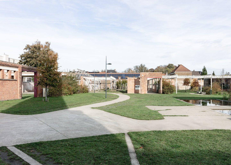 Wijkpark op voormalige site textielfabriek De Porre in Gent