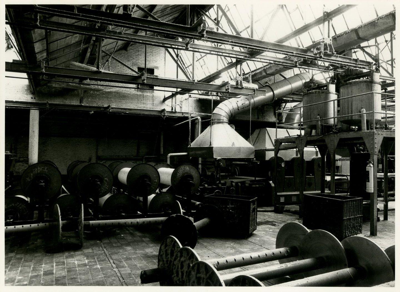 Binnenzicht van textielfabriek De Porre in Gent