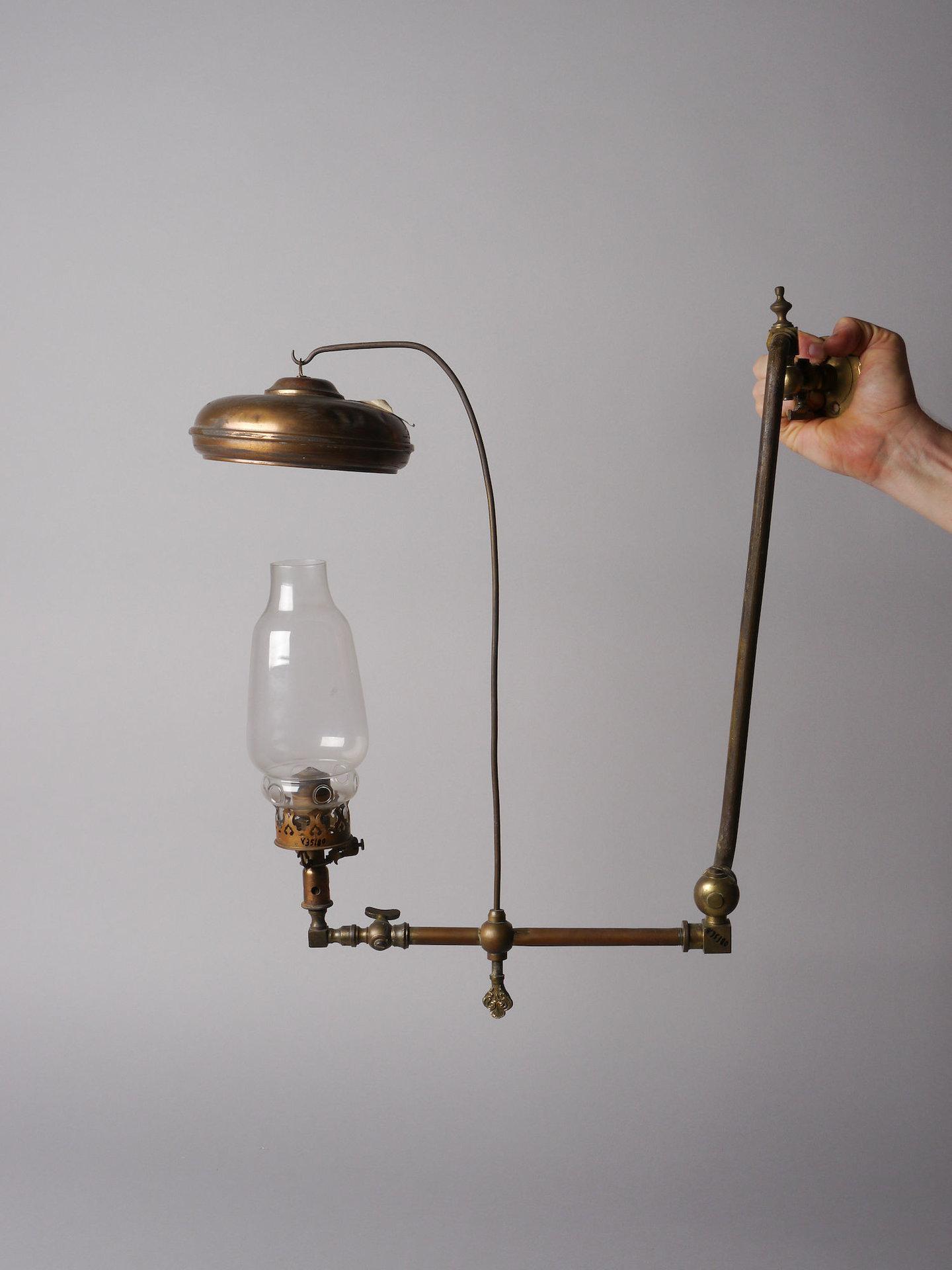 Wandlamp met gasbrander voor rechtopstaand gloeikousje