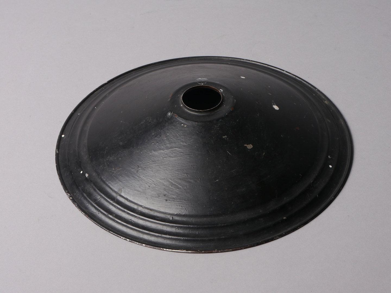 Lampenkap in zwart geschilderd metaal