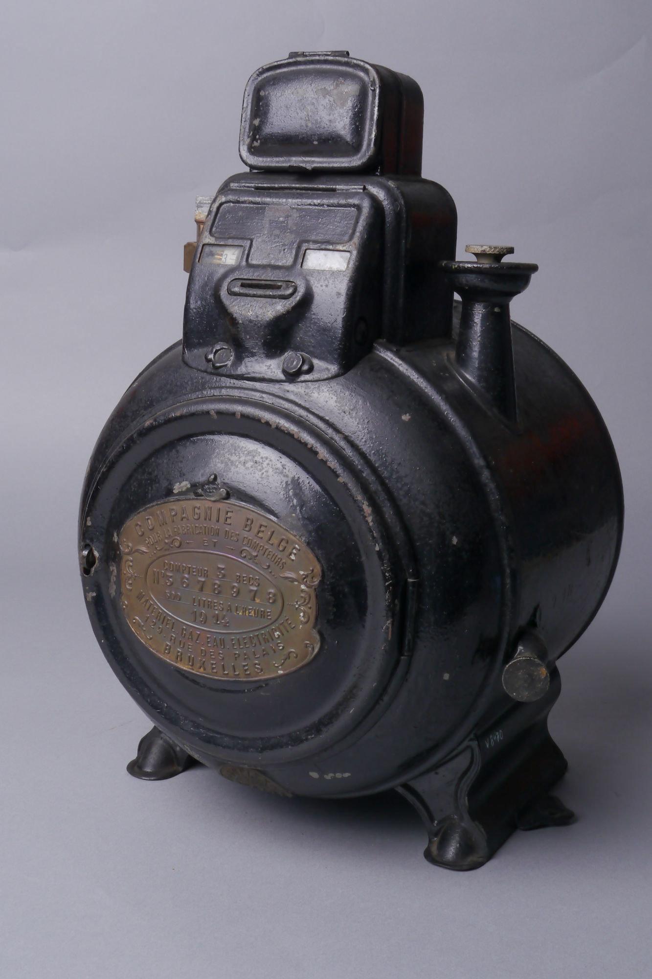 Verbruiksmeter voor gas van het merk Compagnie Belge pour la Fabrication des Compteurs met muntstukken