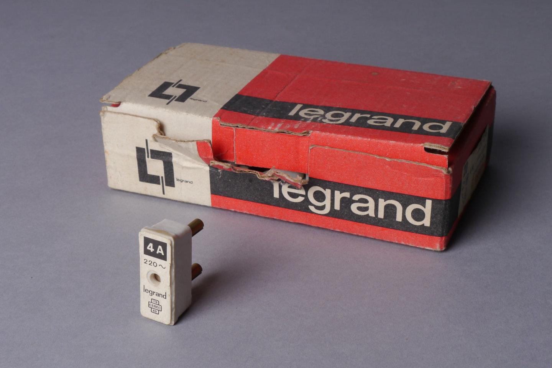 Penzekeringen in porselein van het merk Legrand