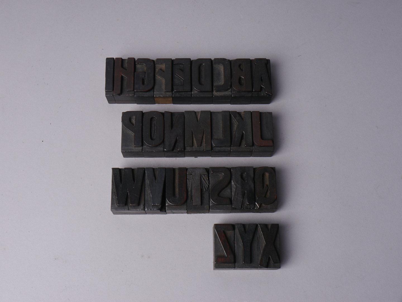 Houten drukletters van het type Artistic, kapitalen