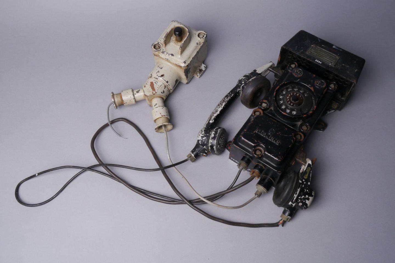 Explosievrije telefoon met kiesschijf van het merk Siemens