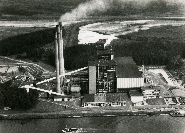 Elektriciteitscentrale Rodenhuize in de haven van Gent