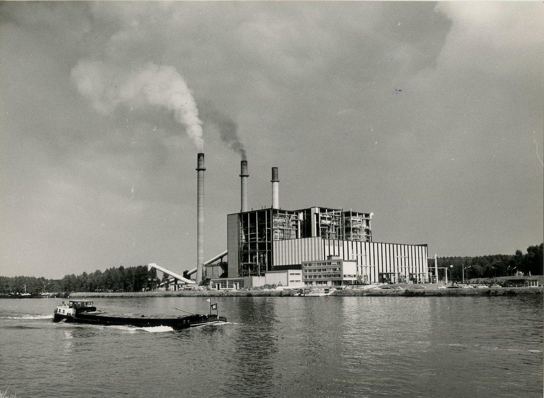 Elektriciteitscentrale EBES Rodenhuize in de haven van Gent