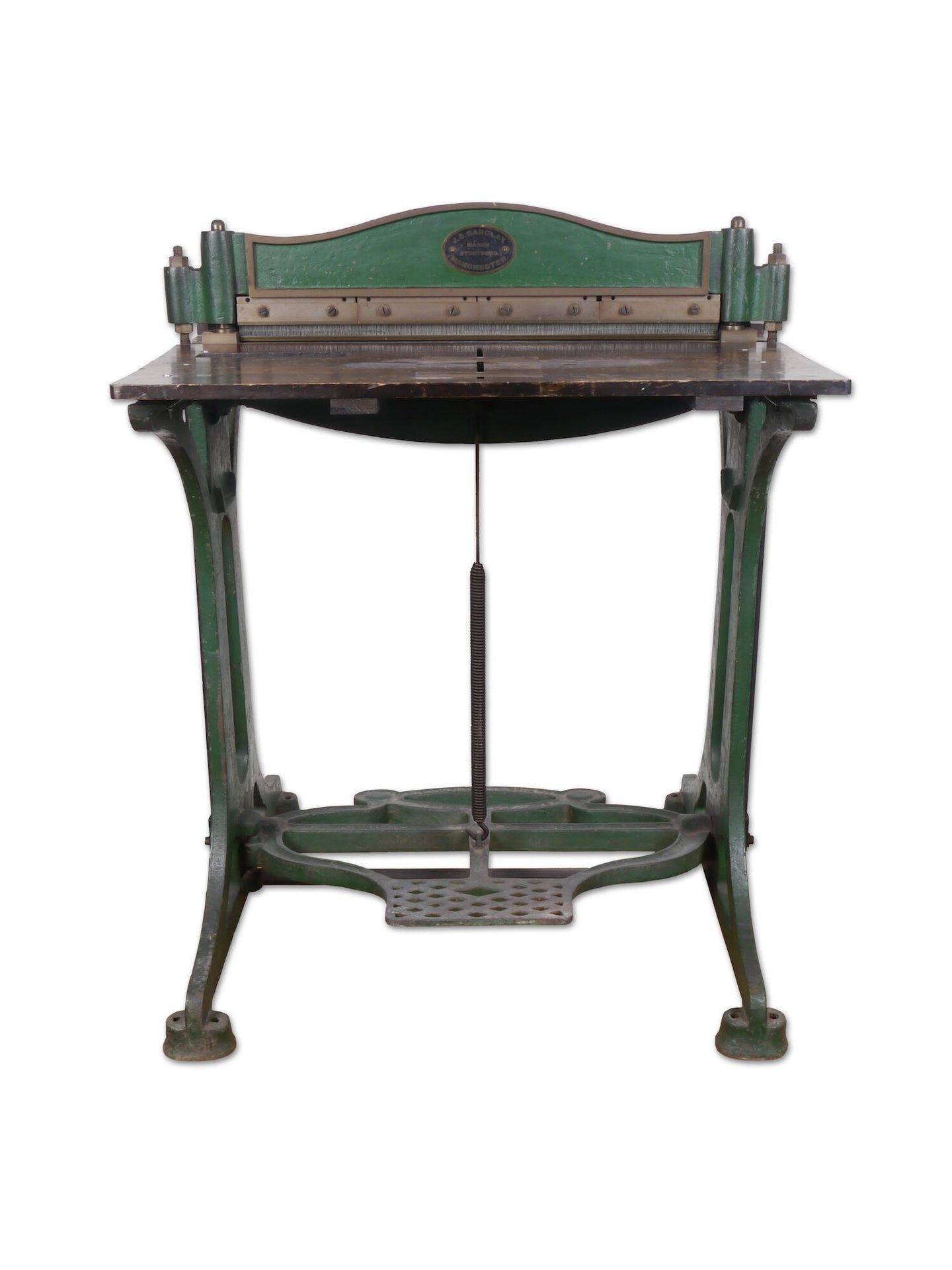 Perforatiemachine voor papier van het merk Barclay