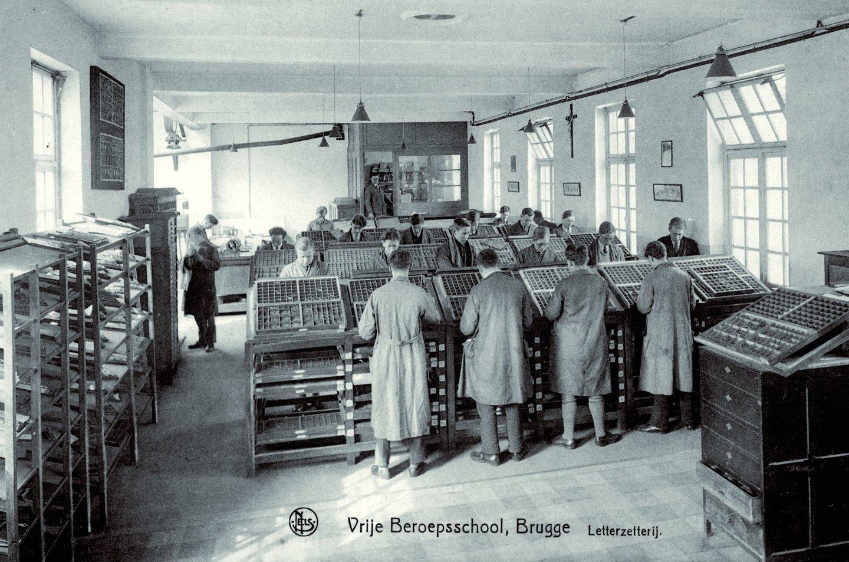 De afdeling letterzetten in de Vrije Beroepsschool te Brugge