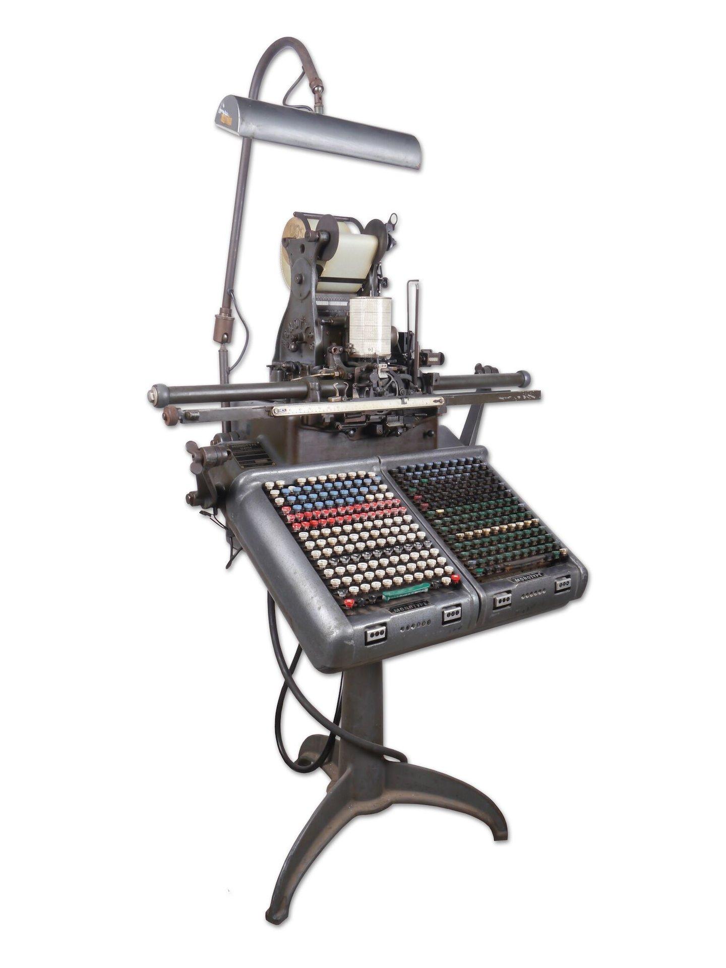Toetsenbord voor het aansturen van een lettergietmachine van het merk Monotype