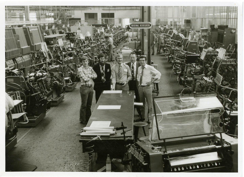 Binnenzicht in de fabriekshal van drukpersenfabrikant Heidelberg