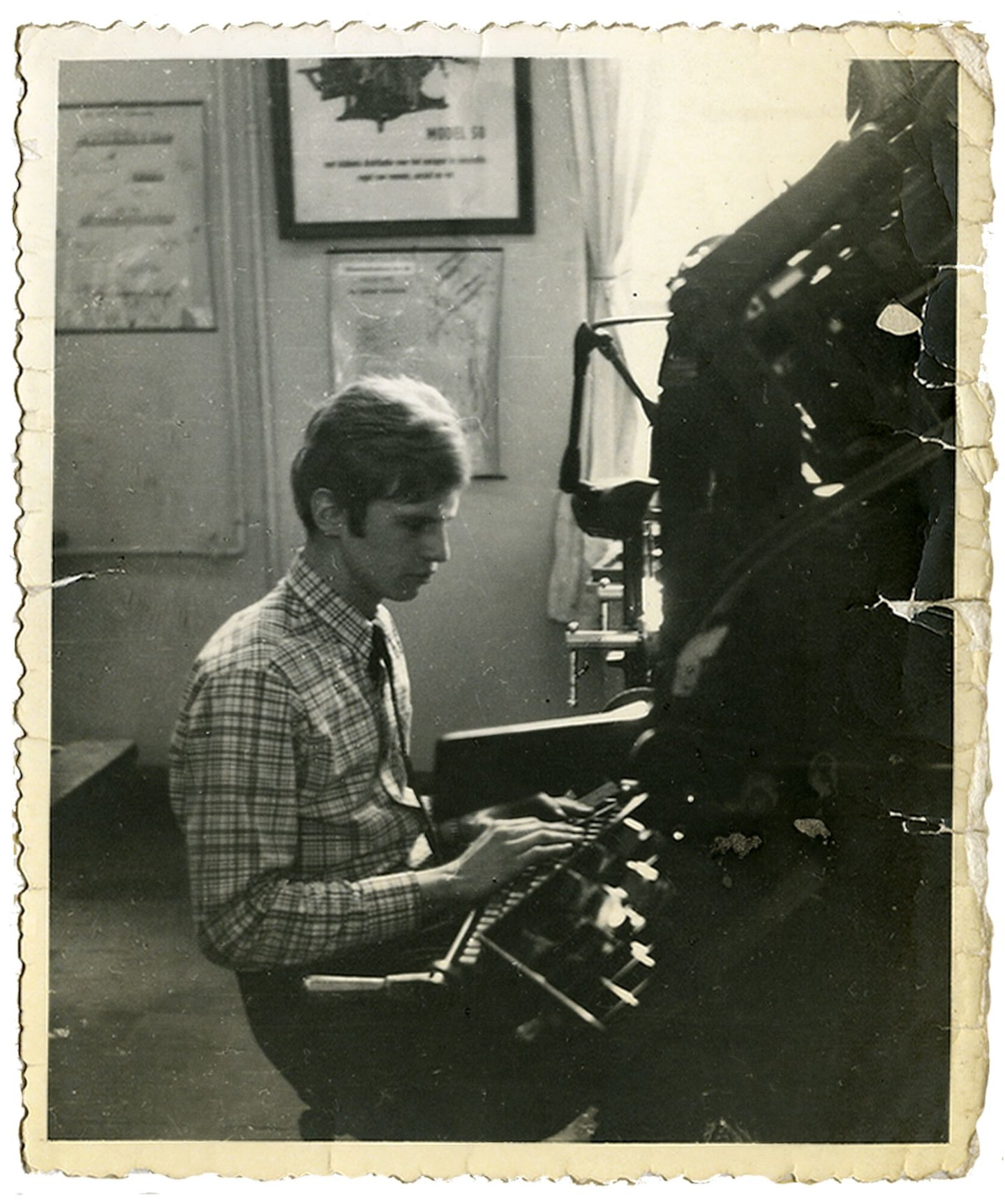 Daniël De Ridder aan de Linotype