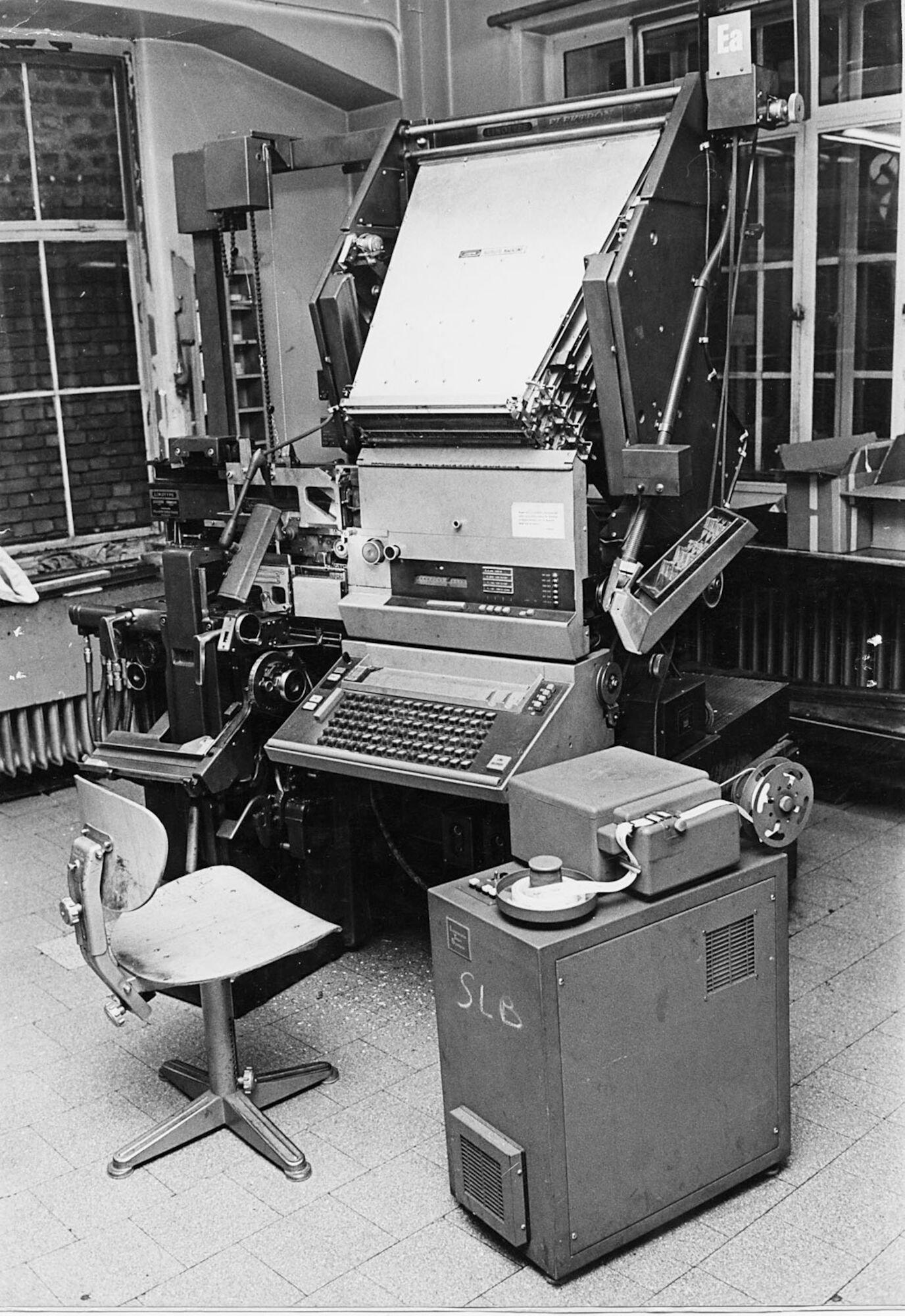 Zetmachine Linotype Elektron in de zetterij van Het Laatste Nieuws te Brussel