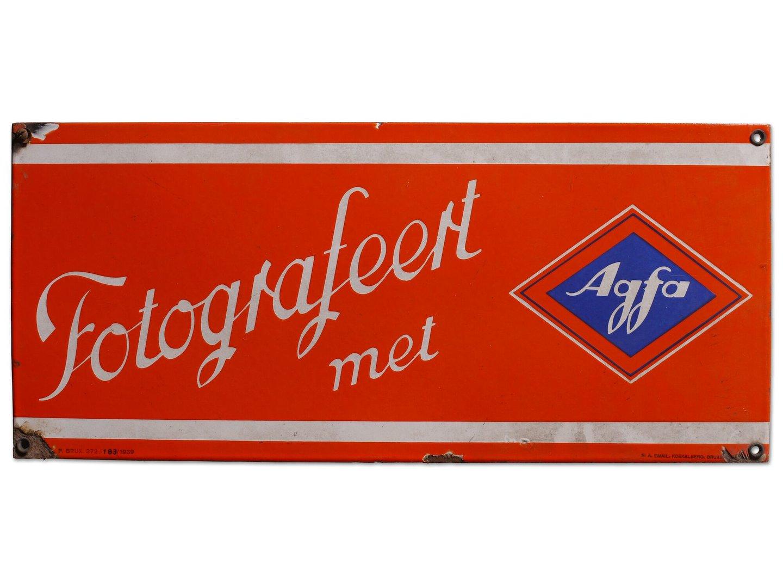 Geëmailleerd reclamebord voor fotografische producten van het merk Agfa