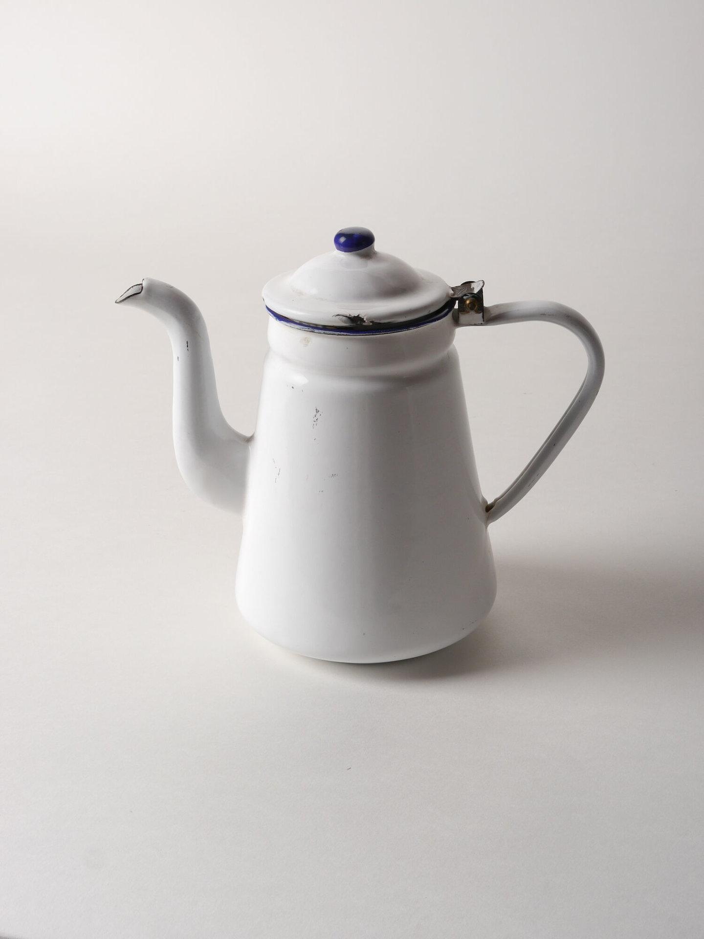 Geëmailleerde kan voor koffie van het merk Reservoir
