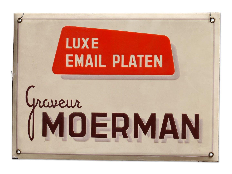 Geëmailleerd firmabord van graveur Moerman in Gent