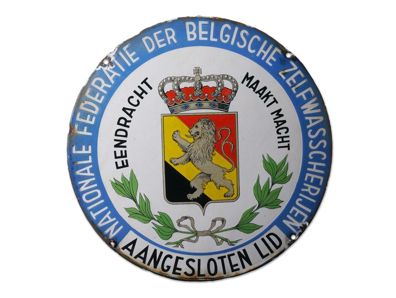 Geëmailleerd informatiebord voor de Federatie der Belgische Zelfwasscherijen