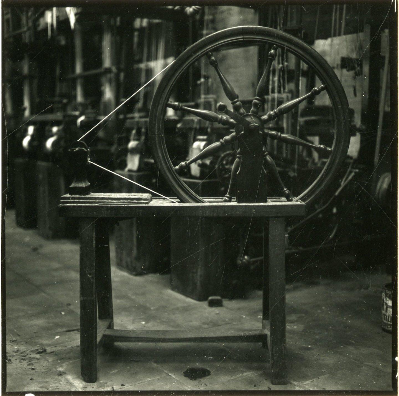 Spoelrad of handrad gebruikt om manueel te bobineren