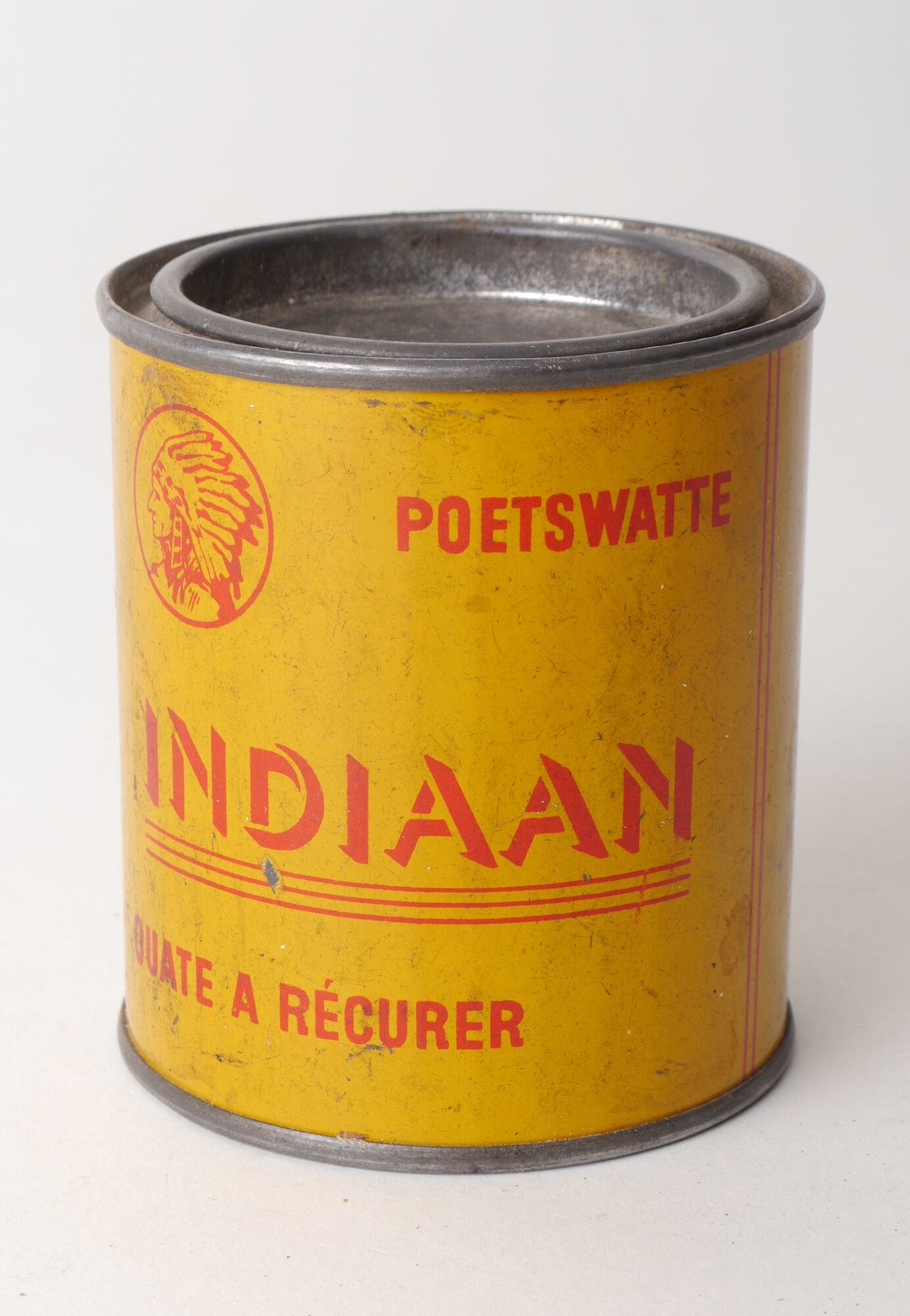 Blik met poetswatten van het merk Indiaan
