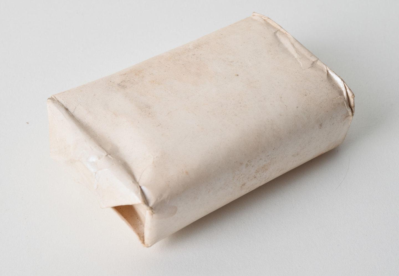 Toiletzeep in verpakking zonder merk