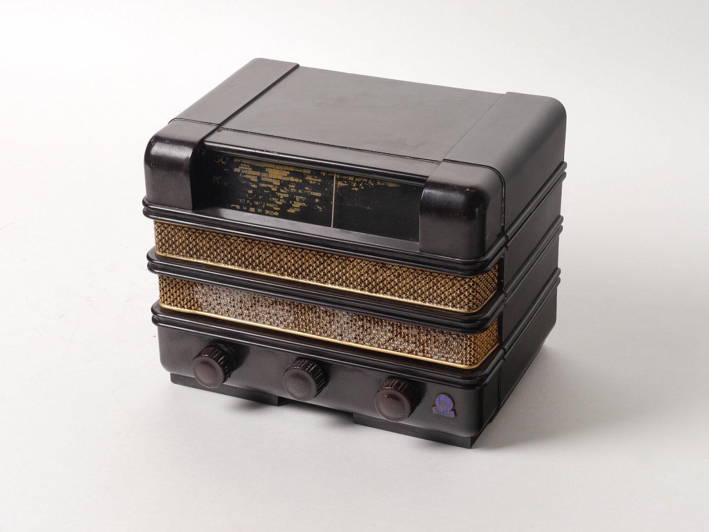 Lampenradio van het merk Radiola